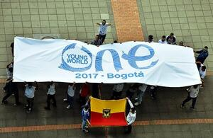 Bandera One Young World en la CCB